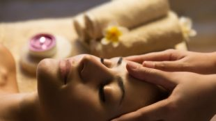 Bee sting facial at the Grand Brighton Title Sussex Magazine www.titlesussex.co.uk