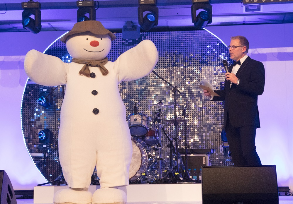 Danny Pike & The Snowman on stage Snowball social Title Sussex Magazine www.titlesussex.co.uk