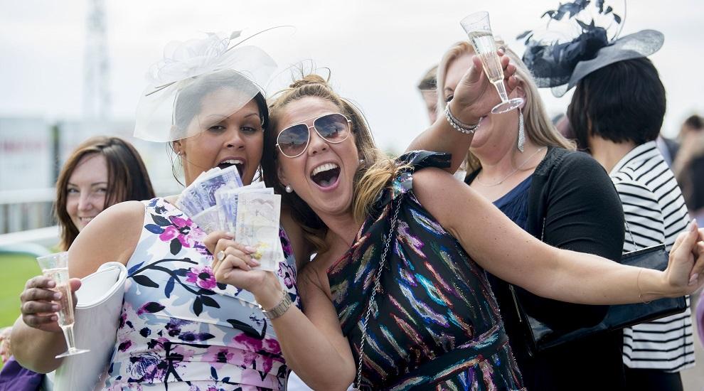 Ladies-Day-2-Brighton-Racecourse-Roundup-Title-Sussex-www.titlesussex.co_.uk_.jpg